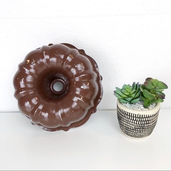 Vintage Other - Vintage Brown Bundt Cake Pan